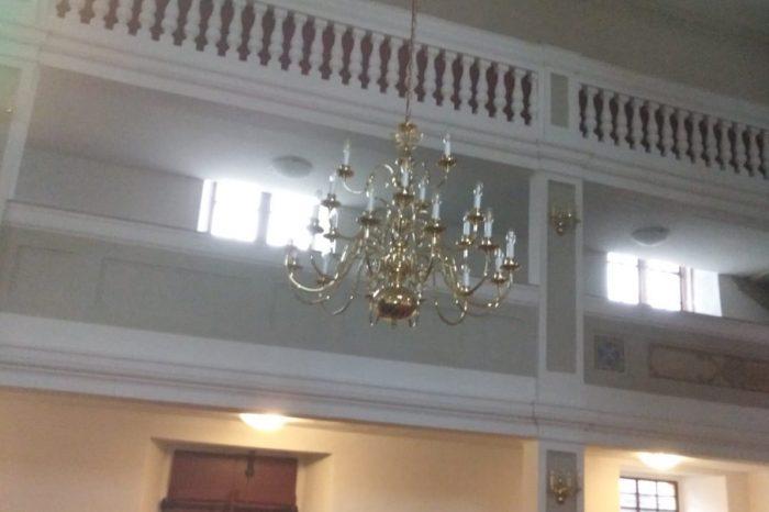 Neuer Kronleuchter in der Kirche Gatzen