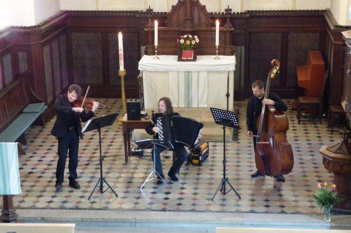 """Musikalische Andacht mit Trio """"Entspannte Spannung"""""""