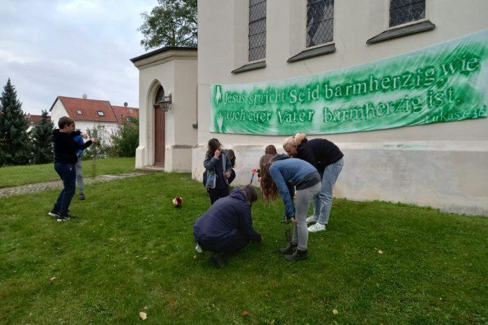 Blumenpflanz-Aktion der Konfis